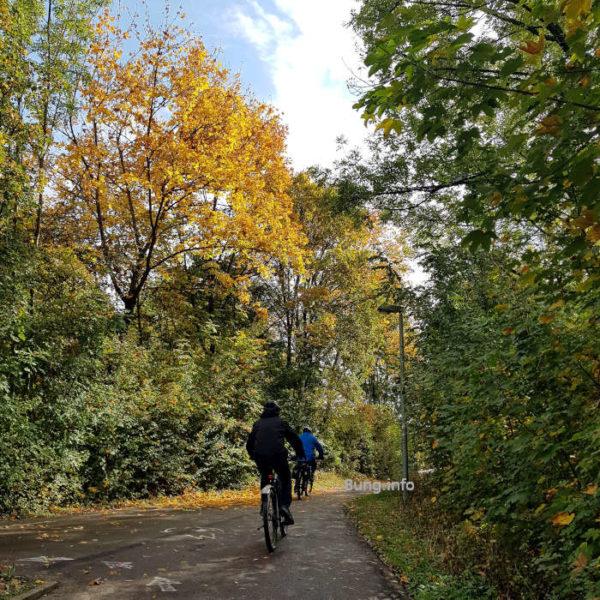 Wetter im Oktober 2020 - Radfahrer im Herbst