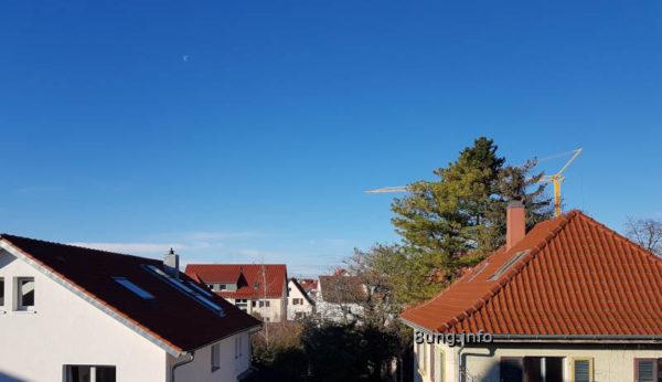 Wetter im Dezember am Morgen auf der Westseite - Sonne, blauer Himmel, kalt