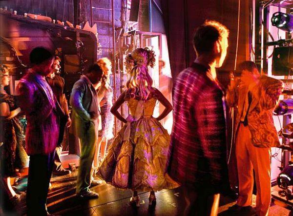Time To Act – Vorhang hoch, auf die Bühne