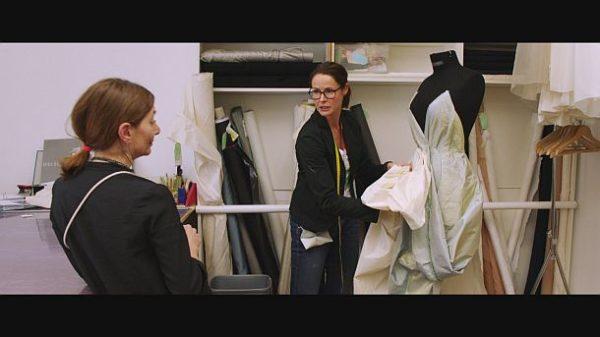 """""""Backstage Wiener Staatsoper"""": Kostüme werden ständig umgearbeitet. © ZDF und ORF/Prisma Film"""
