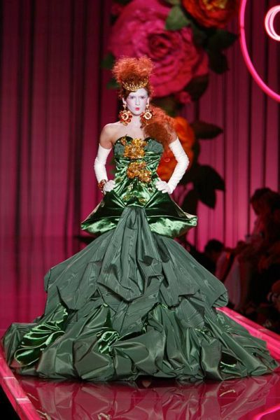 Fashion Live-Tour – Robe ,Christian Dior by John Fashion - Galliano © Photo Guy Marineau