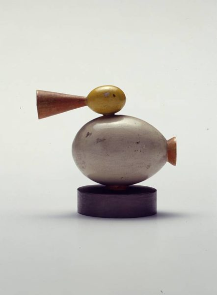 """Sonderausstellung """"Geschmackssache. Die Vorbildersammlung des Landesgewerbemuseums"""": Holzspielzeug Ente, Paul Grießer (1894-1964), 1920er Jahre, Landesmuseum Württemberg © Landesmuseum Württemberg, Hendrik Zwietasch"""