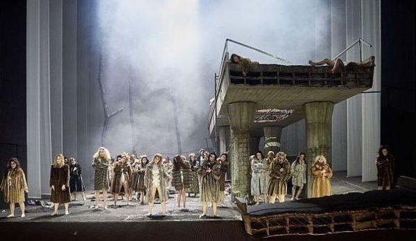 Parsifal von Richard Wagner in der Oper Stuttgart - Blumenmädchen Foto: Martin Sigmund