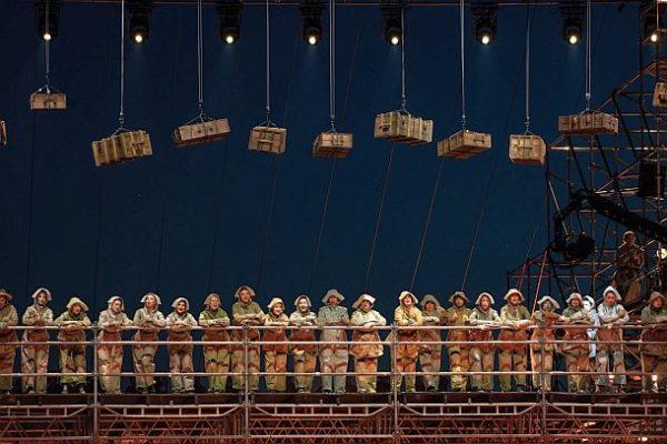 """""""Der Fliegende Holländer"""" - (c) Klaipėda State Music Theatre Litauen, Chor Spinnstube"""