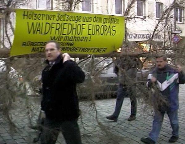Der wilde Wald: Protestmarsch (c) Lisa Eder Film