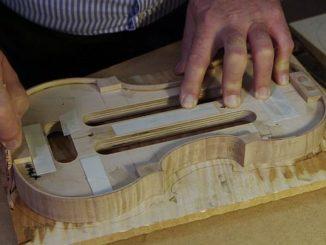 (c) SWR Geigenbauer bei der Arbeit