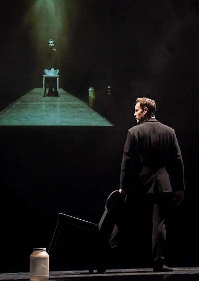 """Bühnenfoto1 Ballett """"The gift"""" mit Eric Gauthier Fotos: Regina Brocke"""