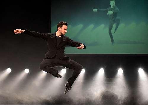 """Bühnenfoto2 Ballett """"The gift"""" mit Eric Gauthier Fotos: Regina Brocke"""