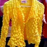 gelbe Strickjacke, Details
