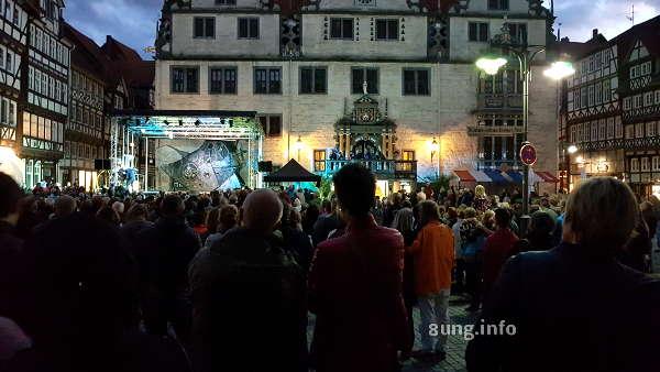 Theater vor dem Rathaus von Hann. Münden