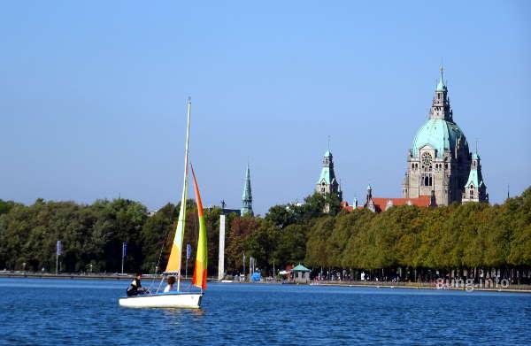 ☛ Hannover: Durchströmt vom Lebenselixier Wasser | Kulturmagazin 8ung.info