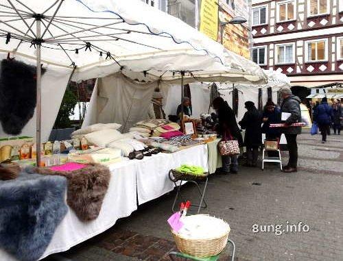 Marktstand in der Kälte