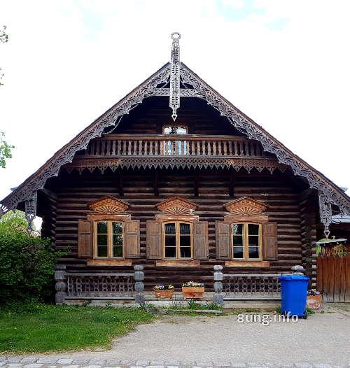 Potsdam: Holzhaus im Russischen Viertel