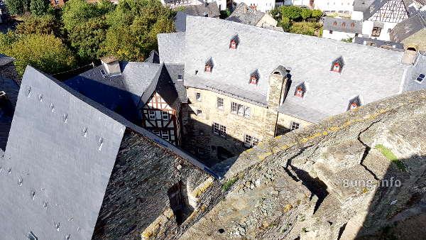 Schieferdächer der Burg Runkel